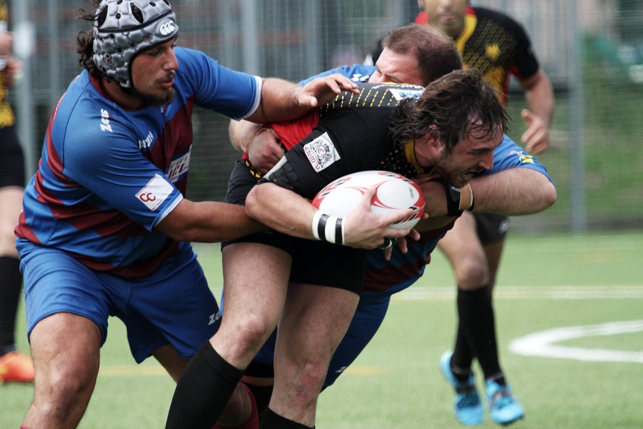 Rugby Spezia foto azione Ruggeri con Amatori8.5.16