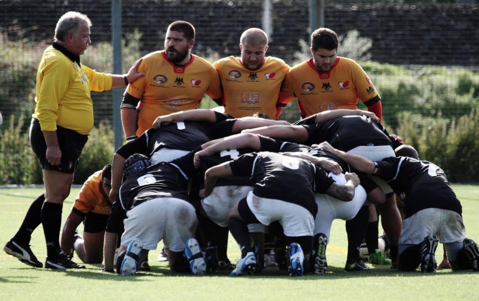 Spezia vs Tigullio (19-7) prima linea pronta all'ingaggio Mario Ciuni tra Pietro Virgilio e Matteo Di Venuta